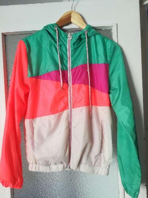 Imagen chaqueta deportiva cortavientos bersckas