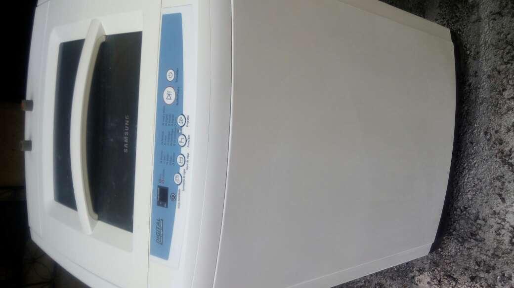 Imagen producto Se vende lavadora SAMSUNG de 28 libras 2