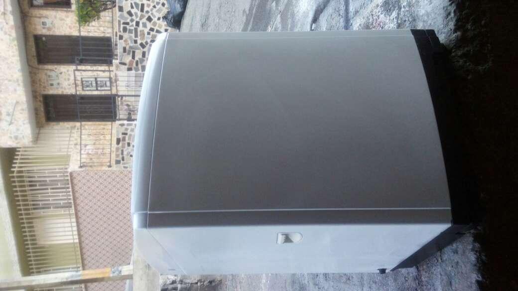Imagen producto Se vende lavadora SAMSUNG de 28 libras 4
