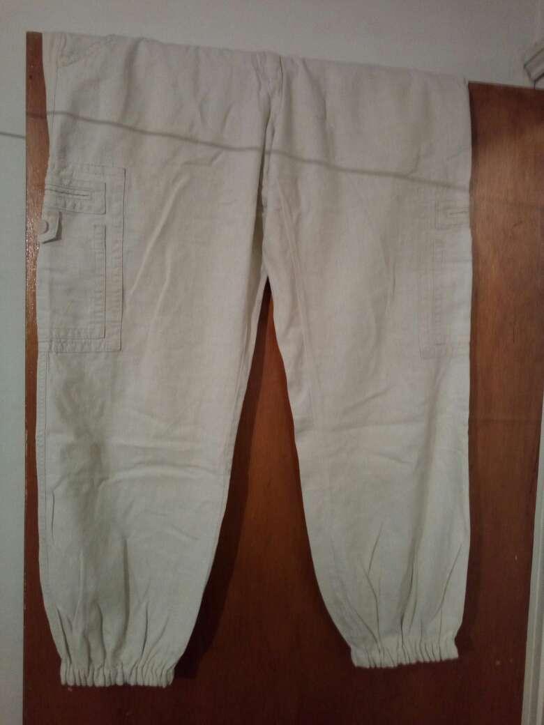 Imagen pantalones beige