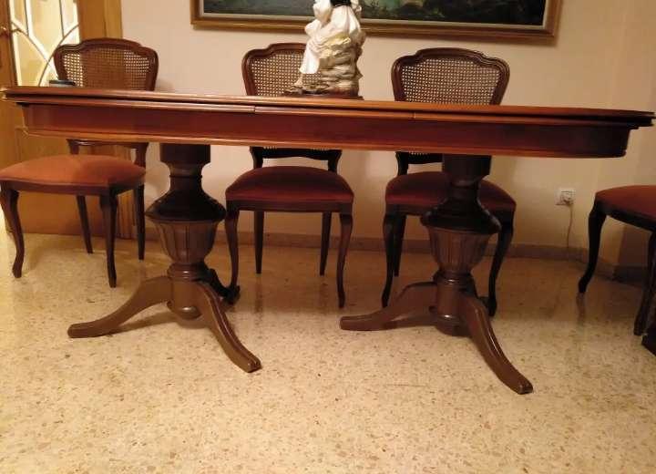Imagen Mesa de comedor con sillas