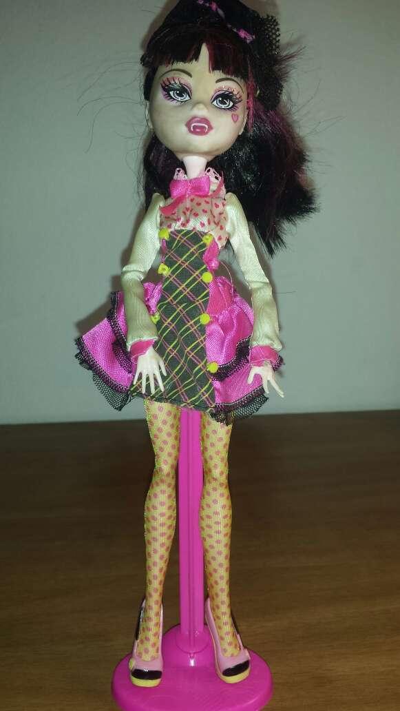 Imagen monster vestido rosa