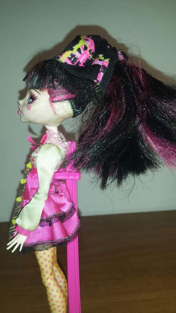 Imagen producto Monster vestido rosa 4