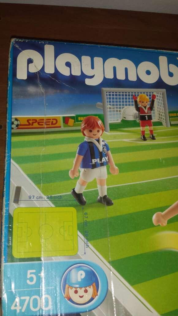 Imagen producto Campo de fútbol playmobil completo  4