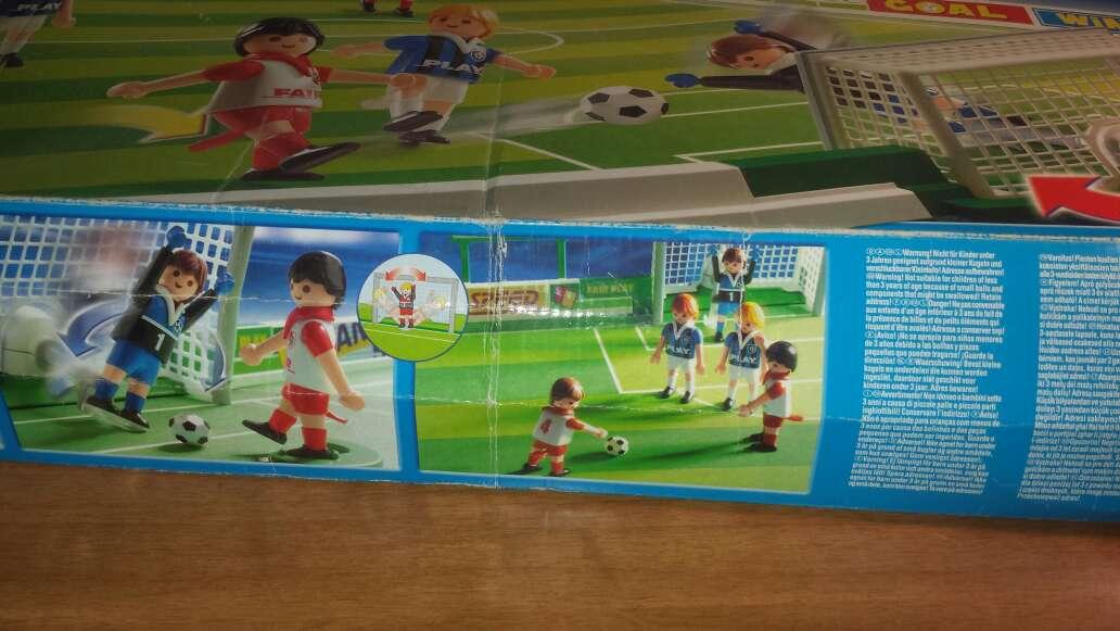 Imagen producto Campo de fútbol playmobil completo  3
