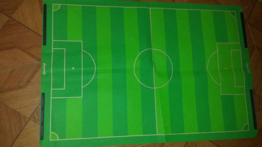 Imagen producto Campo de fútbol playmobil completo  10