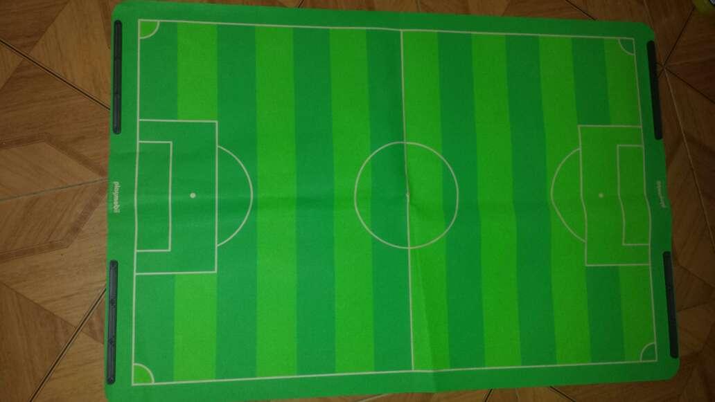 Imagen producto Campo de fútbol playmobil completo  9