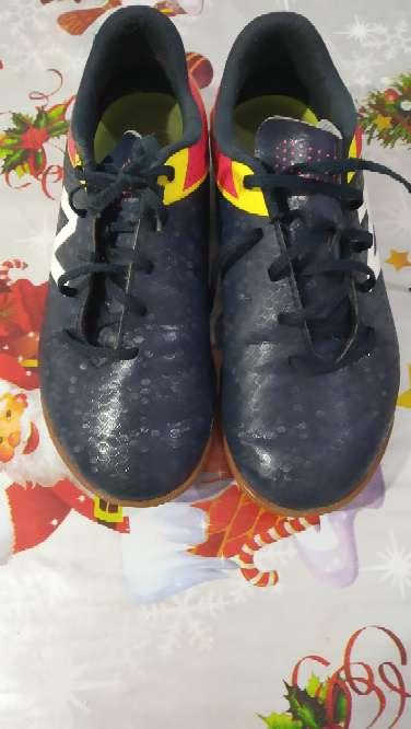 Imagen zapato new balance deporte fútbol