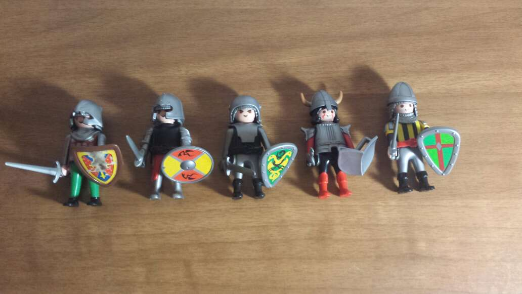 Imagen 1 muñeco playmobil a elegir