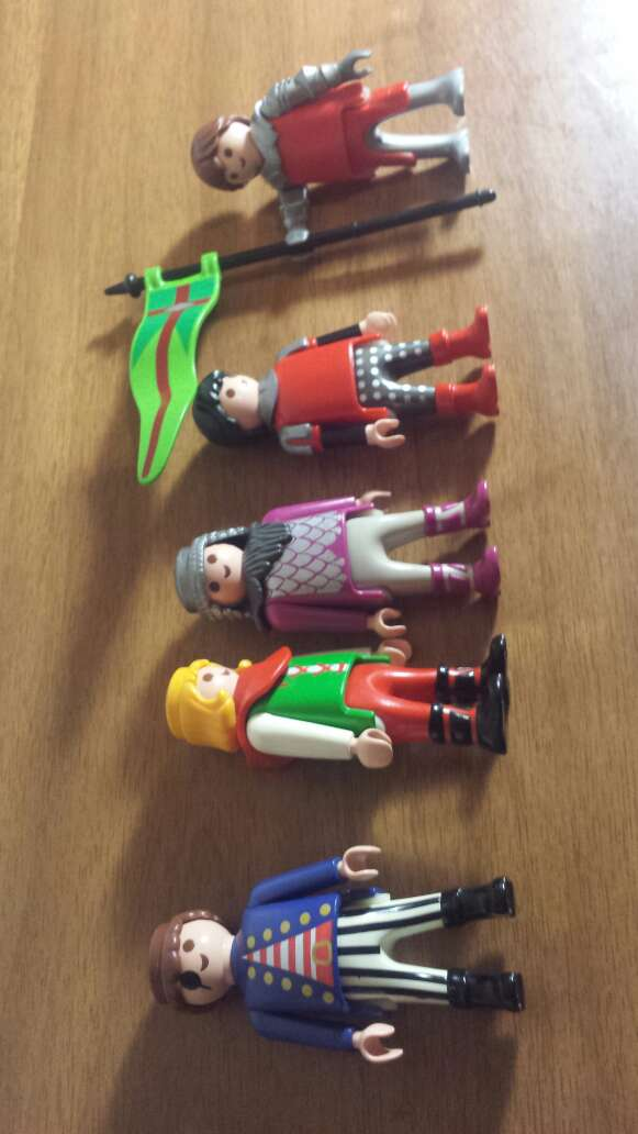 Imagen producto De 5 muñecos 1 a elegir  2