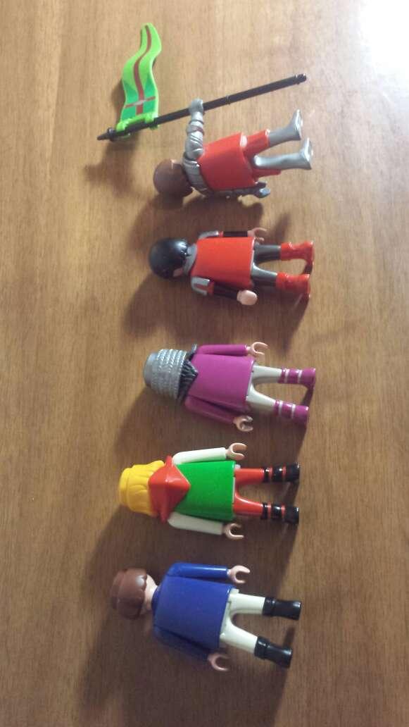 Imagen producto De 5 muñecos 1 a elegir  3