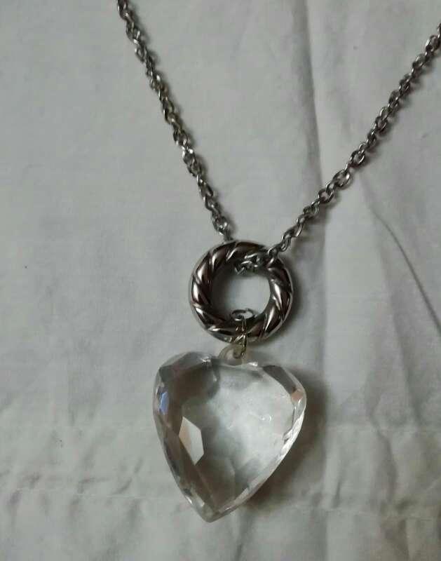 Imagen Bonito collar de corazón de cristal
