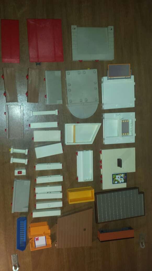 Imagen producto 34 piezas de playmobil diversas  2