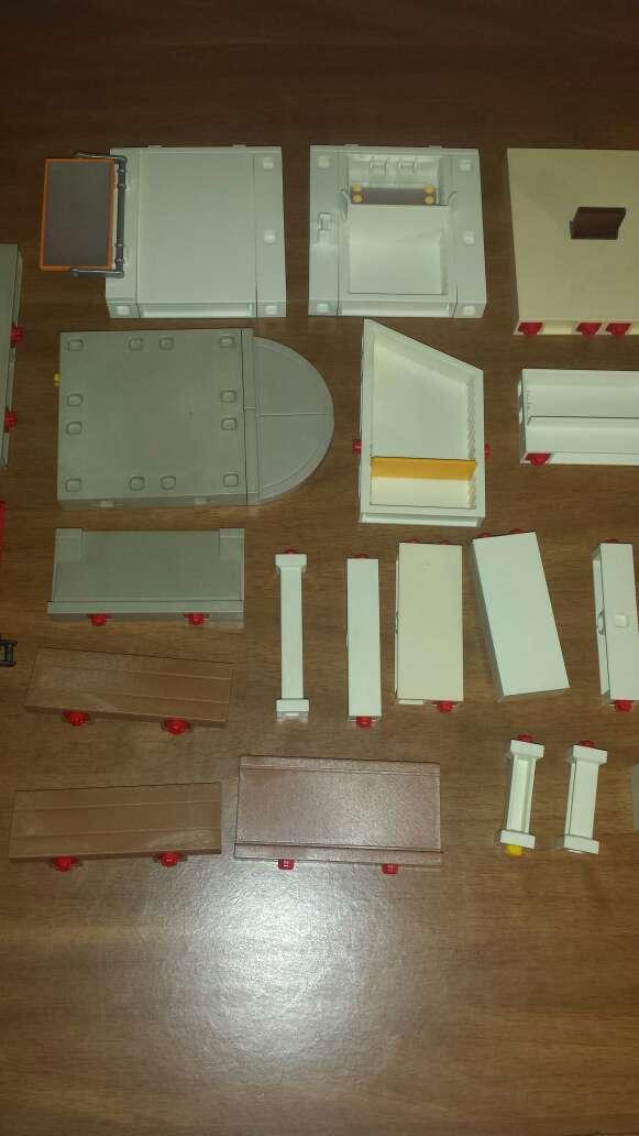 Imagen producto 34 piezas de playmobil diversas  4
