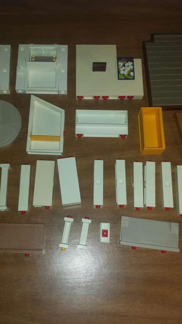 Imagen producto 34 piezas de playmobil diversas  5