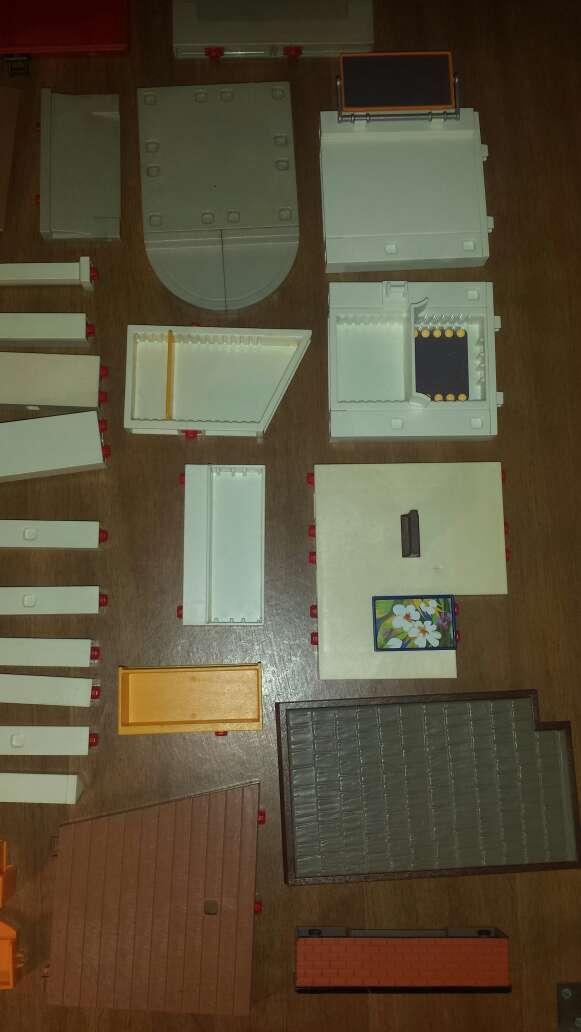 Imagen producto 34 piezas de playmobil diversas  8