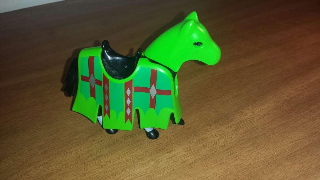 Imagen playmobil caballo con verde