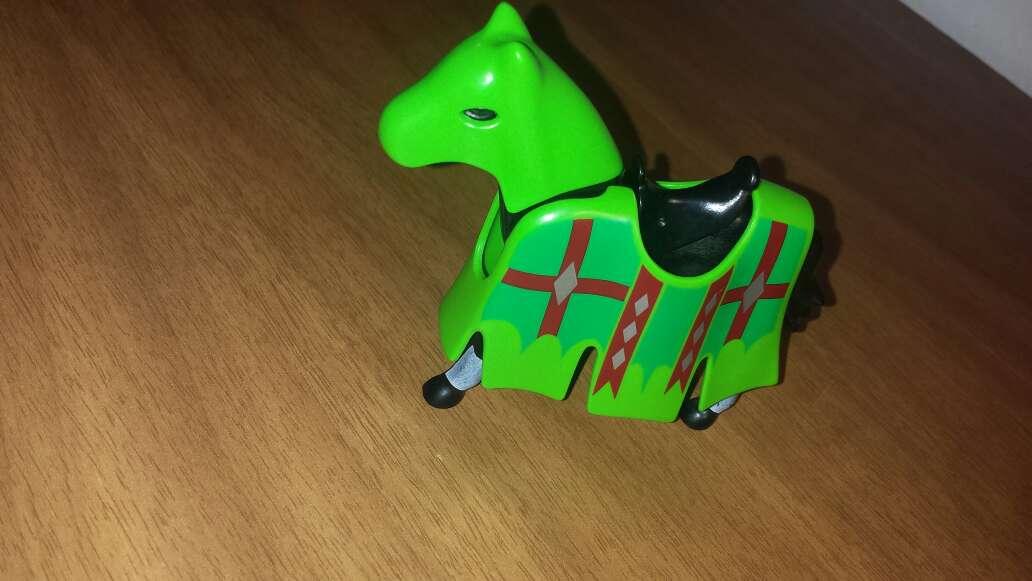 Imagen producto Playmobil caballo con verde  2