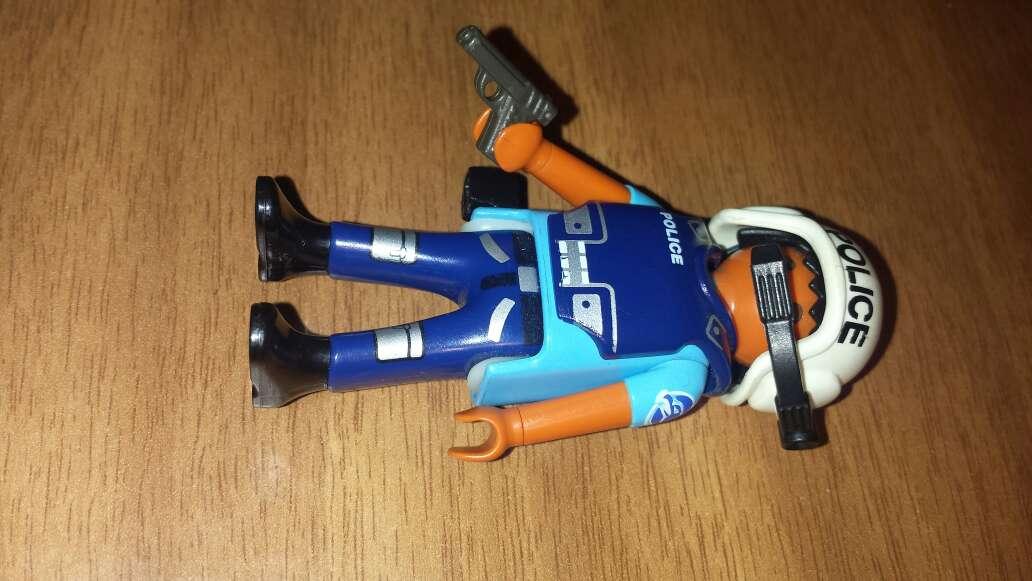 Imagen producto Playmobil policía  2