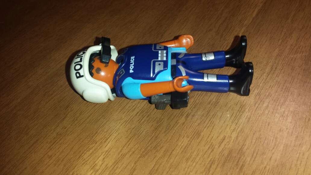 Imagen producto Playmobil policía  3