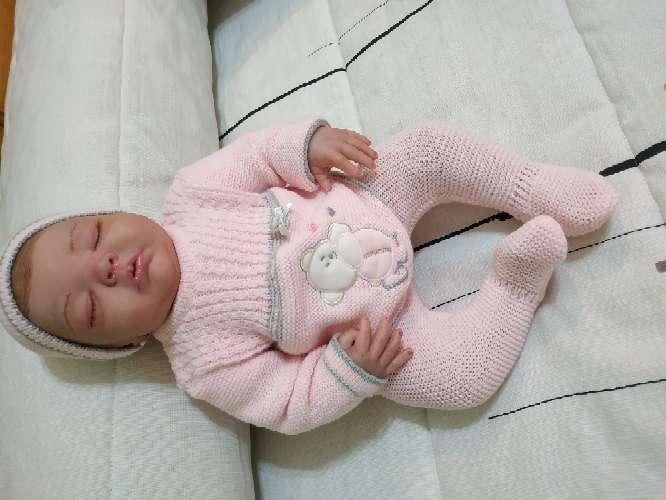 Imagen bebé reborn dormida
