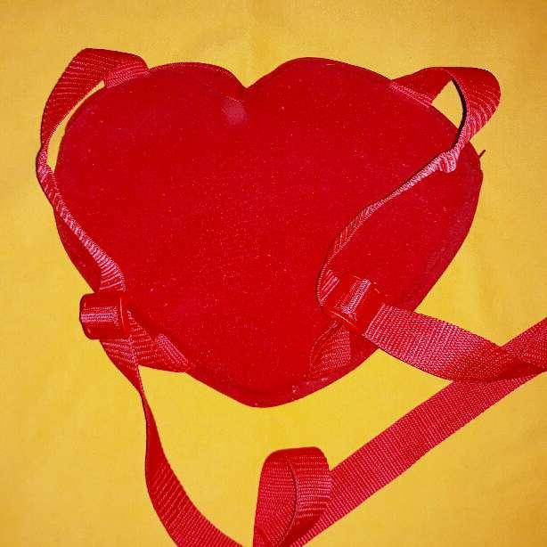 Imagen producto Mochila infantil de corazón.  3