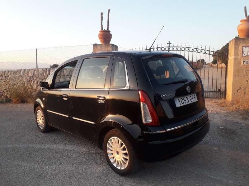 Imagen Lancia Mussa 1.4 gasolina , año 2009