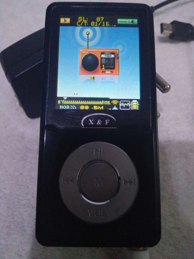 Imagen MP4 portable Disk Player X&F