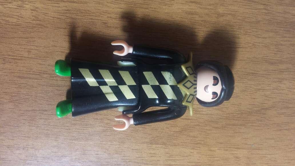 Imagen producto Playmobil negro guardia  4