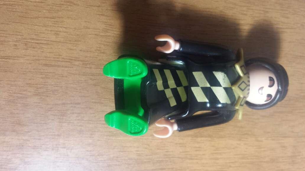 Imagen producto Playmobil negro guardia  3