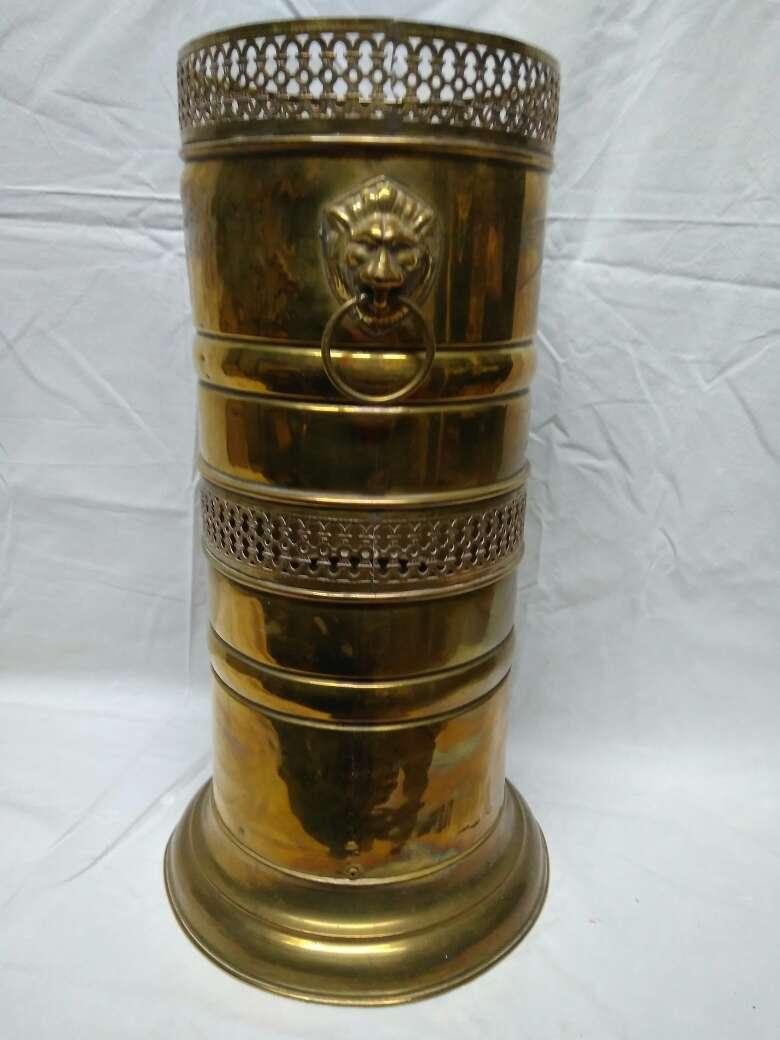 Imagen producto Paragüero de bronce rejilla 5