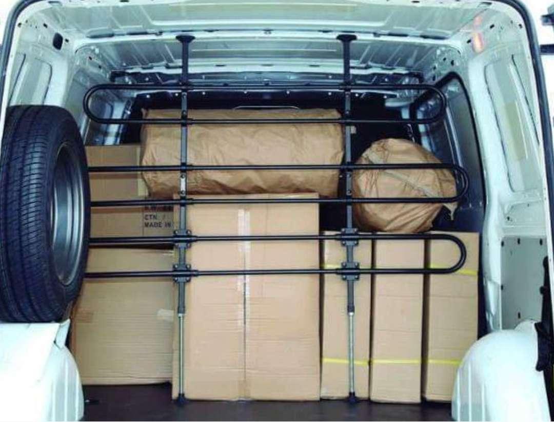 Imagen producto Separador de cargas mercancíasReja adaptable para cualquier tipo de furgoneta.  1