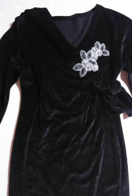 Imagen producto Vestido de terciopelo, talla M  2