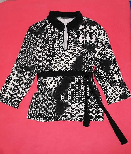 Imagen producto 4 blusas, talla S  7