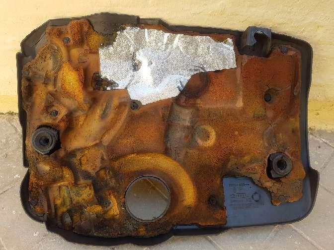 Imagen producto Tapa Motor Renault Megane II 4