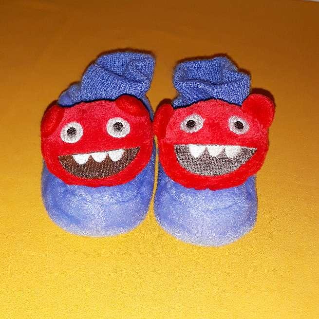 Imagen producto Zapatillas, núm 22-23 2