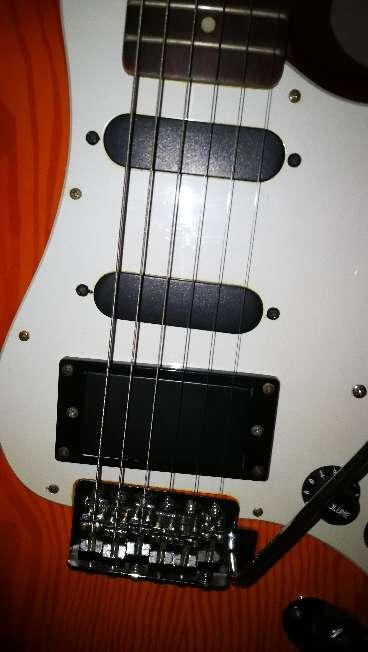 Imagen producto Guitarr eléctrica  3