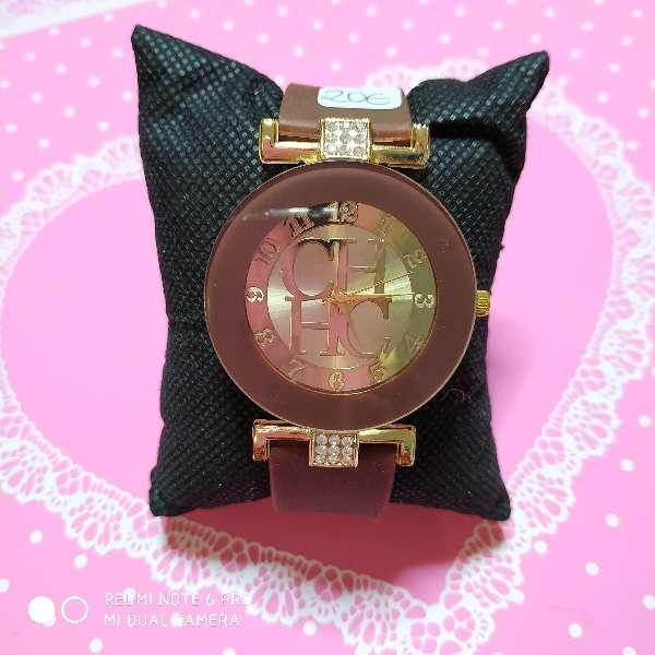 Imagen producto Reloj chica estilo CH varios colores 3