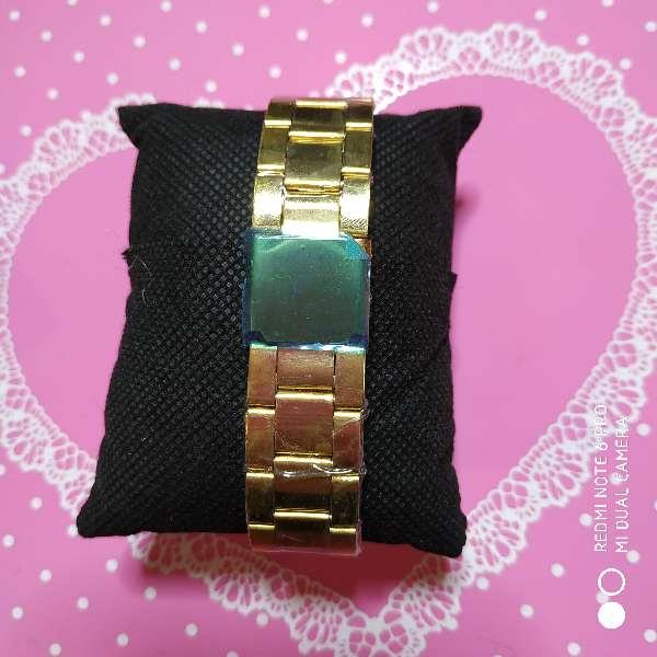 Imagen producto Reloj mujer estilo Carolina Herrera acero dorado o plateado 2