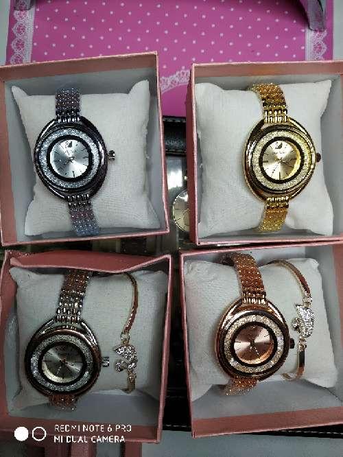 Imagen producto Oferta!!! Pulsera y reloj estilo svaroskwi 2 colores a elegir 5