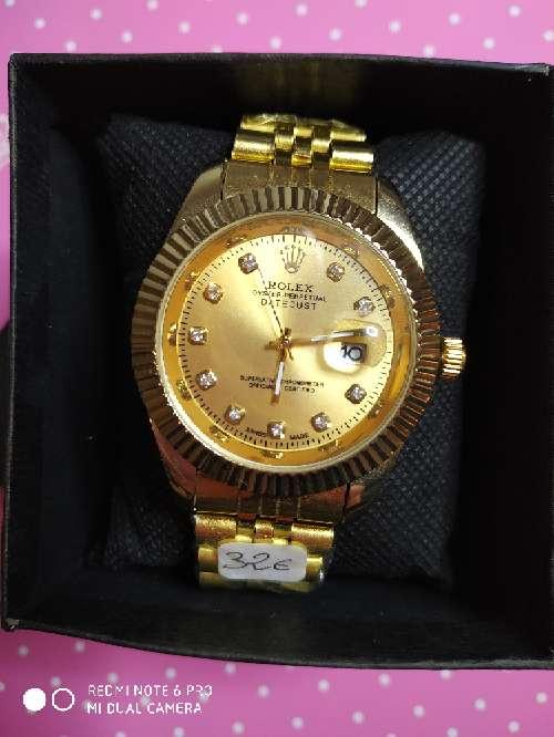 Imagen producto Reloj caballero dorado o plateado 2