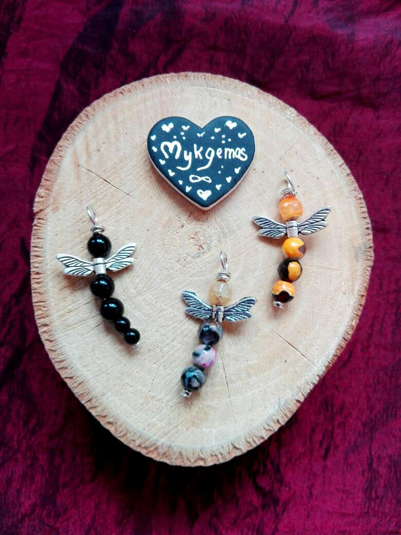 Imagen colgate piedras semipreciosas libélula