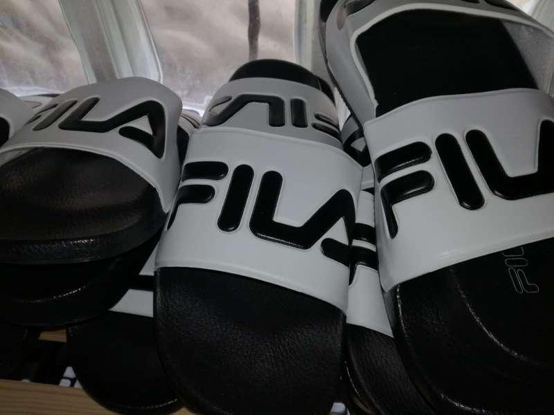 Imagen producto Chanclas fila calvin klein adidas new balance boss...nuevas a estrenar 4