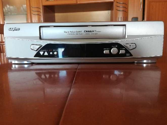 Imagen Video VHR Sanyo modelo VHR-270 SP