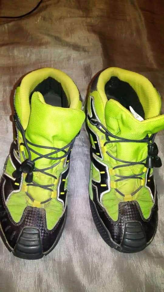 Imagen botas de monte 36