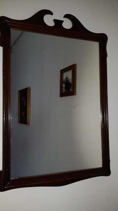 Imagen producto Espejo antiguo con marco caoba 3