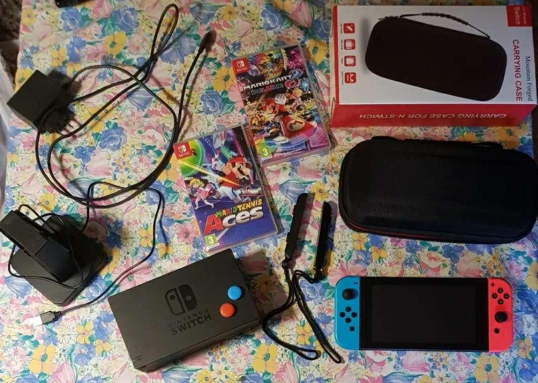 Imagen Nintendo switch con accesorios
