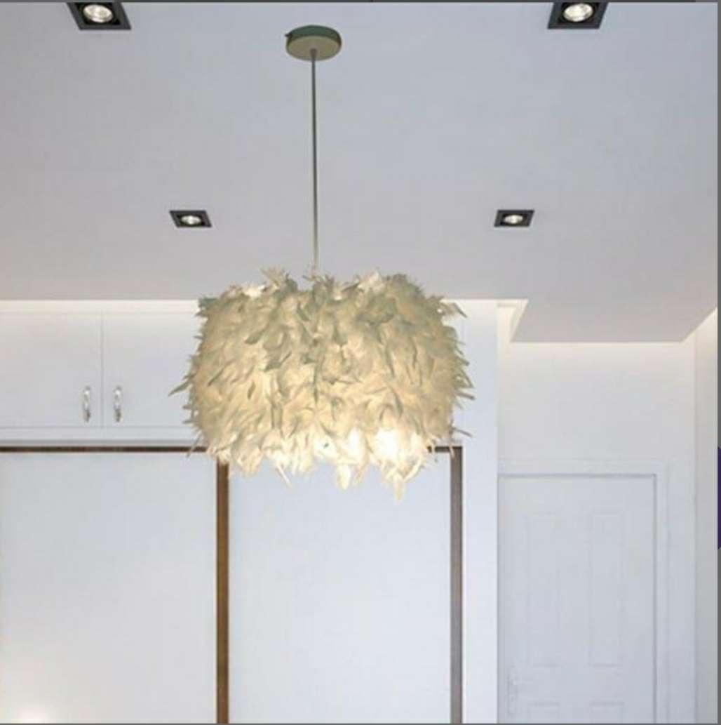 Imagen lámpara de techo de plumas