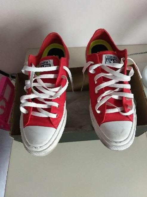 Imagen producto Zapatillas converse en rojas nuevas 2