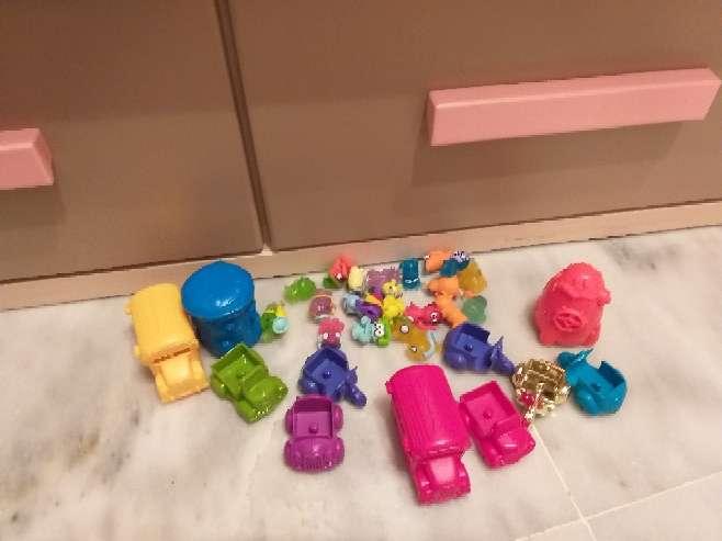 Imagen zombis con sus accesorios